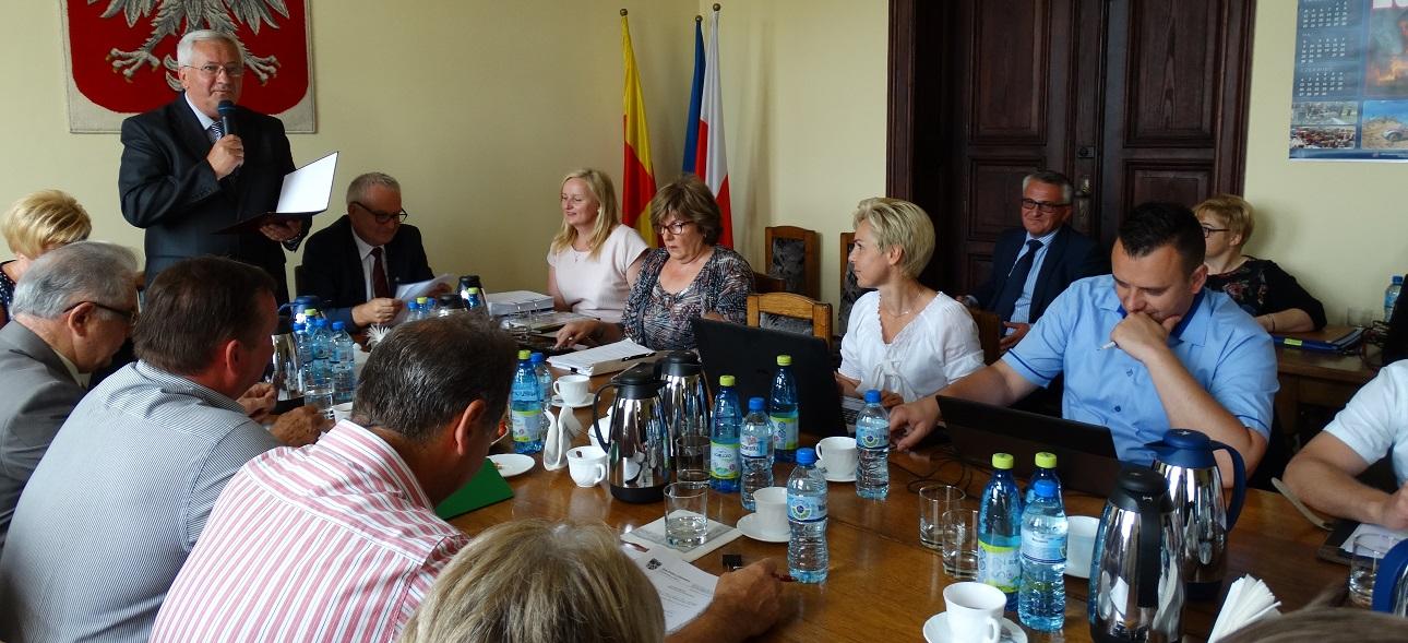 Ilustracja do informacji: XVIII Sesja Rady Powiatu Świebodzińskiego