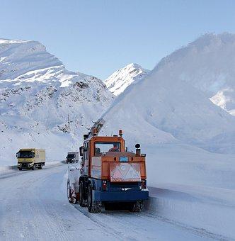 Ilustracja do informacji: Przetarg na zimowe odśnieżanie dróg