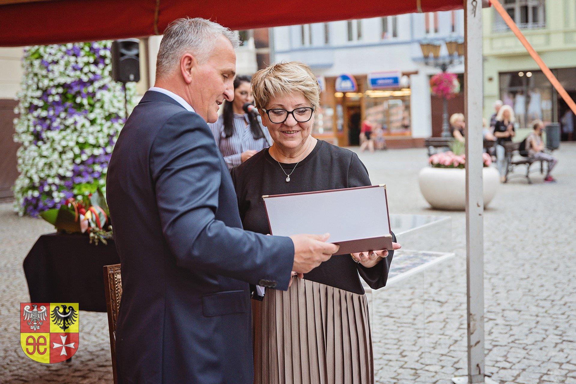Ilustracja do informacji: Elżbieta Greczycho Honorowym Obywatelem